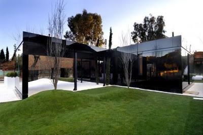 casa-negra-fachadas-negras