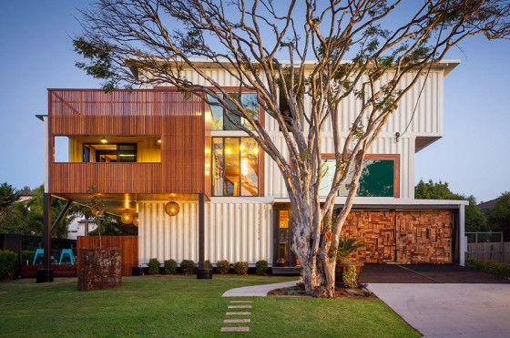 36 contenedores reciclados para construir esta casa moderna - Casas Con Contenedores